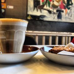The best coffee house in Aarhus, Sigfreds Kaffebar, with a hippie biscuit