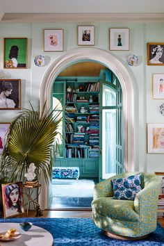 Home Interior Colour .Home Interior Colour Living Room Decor, Living Spaces, Bold Living Room, Retro Living Rooms, Cozy Living, Aesthetic Rooms, Spring Home, Home Interior, Colorful Interior Design