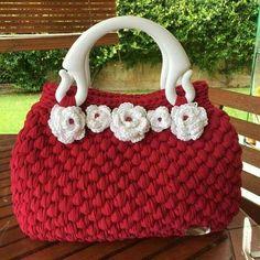 17 best images about crochet handbags purses cases on Crochet Purse Patterns, Crochet Tote, Crochet Handbags, Crochet Purses, Crochet Gifts, Free Crochet, Knit Crochet, Sacs Design, Crochet Shell Stitch
