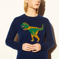 Kate Moss stepped out in London wearing a Coach dinosaur sweater with a leopard-print jacket. Vintage Sweaters, Blue Sweaters, Crewneck Sweaters, Knit Sweaters, Cardigans, Dinosaur Sweater, T Rex, Timeless Fashion, Kids Fashion
