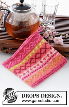 DROPS Extra - Free knitting patterns and crochet patterns by DROPS Design Potholder Patterns, Knitting Patterns Free, Knit Patterns, Free Knitting, Free Pattern, Drops Design, Crochet Design, Magazine Drops, Knit Dishcloth