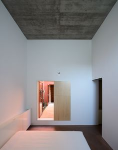 Gallery of House in Oeiras / Pedro Domingos arquitectos - 18