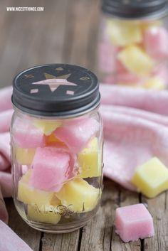 DIY Zucker-Zitronen-Peelingwürfel - 12 GOLD Gastgeschenketipps   * Nicest Things: DIY Zucker-Zitronen-Peelingwürfel - 12 GOLD Gastgeschenket...