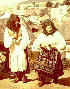 Slovak - Pohorelá (Horehronie) Grandmothers