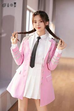 Cute Asian Girls, Pretty Girls, Fashion Models, Fashion Beauty, Pin Up, Raincoat, Beautiful Women, Victoria, Actresses