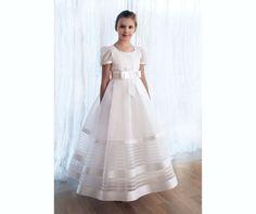 New Arrival Ivory Short Sleeve Lace First Communion Dresses For Girls Sash Bow Princess Vestido De Festa De Casamento