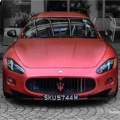 Luxury Cars : Maserati GT Otomobil ve Motorsiklet Fanatikleri sayfamıza bekliyoruz www. Luxury Sports Cars, New Sports Cars, Maserati Granturismo, Bugatti Cars, Ferrari, Rolls Royce, Car Best, Maserati Gt, Porsche Carrera