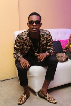 EXPLICIT INFORMATION: Patoranking: Shares Photo of Him And Singer Waje [...