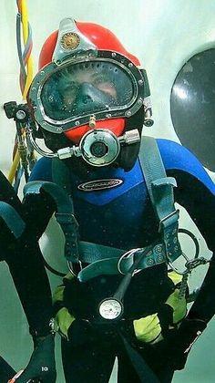 Important Information About The Scuba Diving Tank Women's Diving, Diving Helmet, Diving Suit, Scuba Diving Gear, Scuba Wetsuit, Diving Wetsuits, Olympic Diving, Technical Diving, Scuba Diving Equipment
