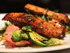 Balsamic Mustard Chicken recipe – accompanied by roasted courgettes and bacon Ingredients 4 free range chicken breasts balsamic vinegar c olive oil (for marinade – from your pantry) … Healthy Family Meals, Healthy Snacks, Paleo Recipes, Cooking Recipes, What's Cooking, Sprouts With Bacon, Mustard Chicken, Food N, Chicken Recipes
