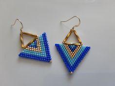 Triangle Rose, Bleu Cyan, Beaded Earrings, Drop Earrings, Swarovski, 14 Carat, Triangle Earrings, Turquoise, Brick Stitch