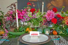 ► Arreglos de mesa para una boda brillante y colorida. #arreglosdemesa #bodas