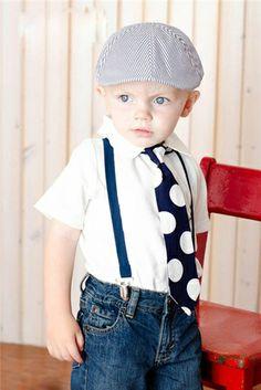 Kleiner Kleider im Kinder