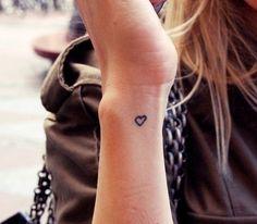 Inspiratie: 19 tattoo's op je pols -Cosmopolitan.nl