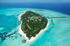 Opzoek naar een actieve en sportieve vakantie. Dan zit u hier goed. Meeru is één van de grotere eilanden op de Malediven en beschikt over veel sportmogelijkheden. Het resort ligt direct aan een grote lagune, dus ook ideaal om te zwemmen en te relaxen.