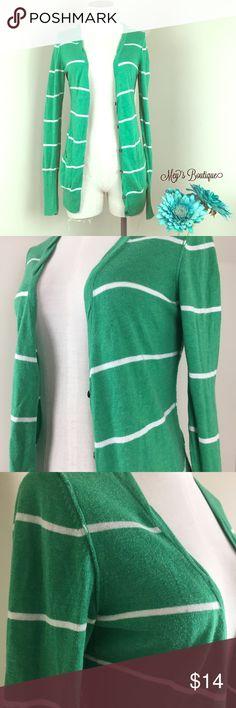 ⭐️American Eagle Green Striped Cardigan⭐️ ⭐️American Eagle Green Striped Cardigan⭐️Size Medium. Gently used. American eagle brand. This cardigan has really long sleeves! Next day shipping., All sales are final. Bundle & Save more! American Eagle Outfitters Sweaters Cardigans