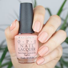 OPI Barking Up the Wrong Sequoia. Swatches of the whole OPI California Dreaming collection on www.nailsbyic.com