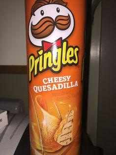 Potato Chip Flavors, Potato Chips, Pringle Flavors, New Recipes, Snack Recipes, Junk Food Snacks, Good Food, Yummy Food, Food Goals