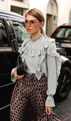 Street Style Outfit Inspiration 👠 Stylish outfit ideas for women who love fashion! Street Style Outfit Inspiration 👠 Stylish outfit ideas for women who love fashion! New York Fashion, Fashion Mode, Fashion Week, Look Fashion, Fashion Beauty, Autumn Fashion, Womens Fashion, Fashion 2018, Fashion Stores
