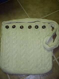 Knit Cable Bag #pattern(not very begginer but i still woud ike to try it )