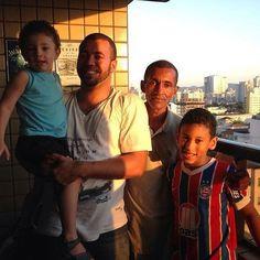 Familia ê familia â familiaaaaaaaa!!!!! Conhecendo o tio avô!!!! E matando a saudade do Primo !! ( Pena que eh Bahia rsrsrs) by alexaum