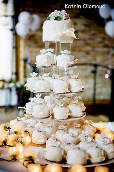 Dortíčkový svatební dort