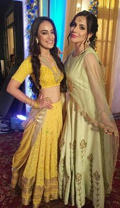 Naagin3 Indian Bollywood, Bollywood Fashion, Mehndi, Saree Models, Sari, Star Girl, Indian Beauty Saree, Custom Dresses, Bollywood Celebrities