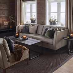 Classic Home Decor .Classic Home Decor Classic Home Decor, Fall Home Decor, Unique Home Decor, Cheap Dorm Decor, Cabin Interiors, Home And Deco, Log Homes, Home Living Room, Home Decor Accessories