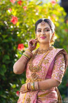 15 Classy brides who rocked Kanjeevarams! Bridal Sarees South Indian, South Indian Bridal Jewellery, Indian Bridal Outfits, Indian Bridal Fashion, Indian Bridal Wear, South Indian Bride, Bridal Dresses, Wedding Saree Blouse Designs, Pattu Saree Blouse Designs