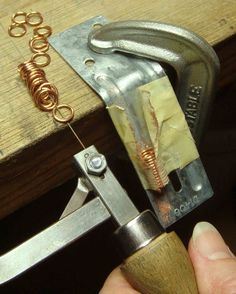 Plain, easy, and well-illustrated guide to cutting rings with inexpensive tools