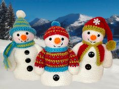Frosty, Freezy and Fred amigurumi crochet pattern by Janine Holmes at Moji-Moji Design Crochet Snowman, Christmas Crochet Patterns, Holiday Crochet, Amigurumi Patterns, Knitting Patterns, Cute Snowman, Christmas Toys, Crochet Toys, Crochet Projects