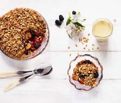 blackberry-pear-pinenut-crumble
