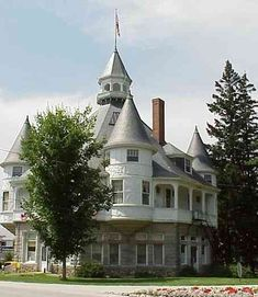 Maine State Building turrets::