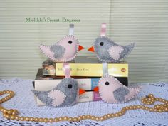 Greay and Pink Felt birds. Set of 4 Felt spring by MielikkisForest