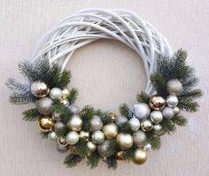 Christmas, Hand-Made Wreath Decoration 40cm