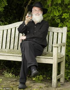 """I'll die before the endgame, says Terry Pratchett in call for law to allow assisted suicides in UK  (""""Point me to heaven when the final chapter comes..."""" Terry Pratchett's deeply personal plea)"""