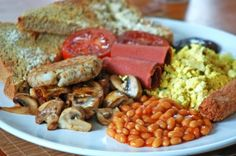 Helen's Ultimate Vegan Fry Up Maybe not the healthiest but if one considers that the only other meal of the day after this is maybe a salad or a smoothie, yeah, I can justify it :)