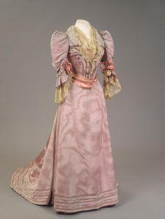 Worth Dress worn by Empress Maria Feodorovna circa 1894