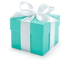 Amaria ganhar! Dizem que os melhores presentes estão em pequenas embalagens! Discordo! Os melhores presente estão sempre em uma caixa de um azul unico, fechada por uma fita branca,  amarrada com uma destreza impressionante!