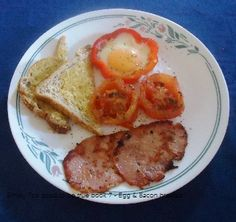 Symply too good to be true Book 7 Breakfast Bacon & Egg with Capsicum and tomato (I cut capsicum too thin so bacon didnt fit in it) Bacon Breakfast, Bacon Egg, Diet Recipes, French Toast, Eggs, Book, Fit, Egg, Skinny Recipes