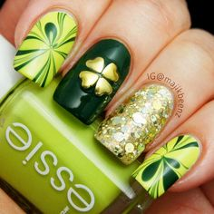 St Patricks Day nail art allows you to show off how much you love this holiday. As you probably know, green is the major theme color for this holiday. But it would be much more fun if you combine green with other colors and add some pretty patterns. We made a collection of the best St Patricks Day nail designs! #naildesigns #stpatricksdaynails #stpatricksdaynaildesigns #greennails