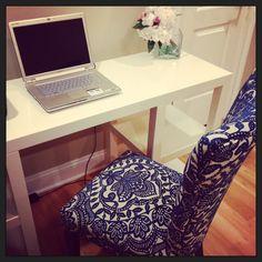 white desk damask chair