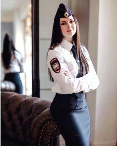 Female Pilot from All Over - Air Aviator - Women in Uniform Female Pilot, Female Soldier, Army Soldier, Military Girl, Military Fashion, Military Women, Girls Uniforms, Belle Photo, Beauty Women