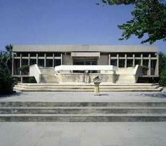 http://www.cyprusisland.net/images/PageImages/Thumb/Archaeological_Museum_in_Limassol.jpg