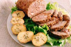 Il Polpettone al forno è un piatto classico semplice e veloce Italian Dishes, Italian Recipes, Italian Meatloaf, Classic Meatloaf Recipe, Recipe Details, Meatloaf Recipes, Roasted Potatoes, Nutritious Meals, Quick Meals