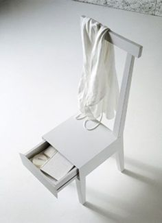 Wooden Chair with a Secret Drawer : Moheli
