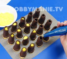 Domácí špičky plněné vaječným likérem: Jsou neodolatelné – Hobbymanie.tv Czech Desserts, Sweet Desserts, No Bake Desserts, Candy Recipes, Sweet Recipes, Cookie Recipes, Dessert Recipes, Christmas Candy, Christmas Baking