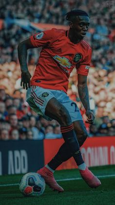 Manchester United Old Trafford, Manchester United Players, Good Soccer Players, Football Players, Manchester United Wallpapers Iphone, Man Utd Fc, Neymar Football, Football Is Life, Soccer Stars
