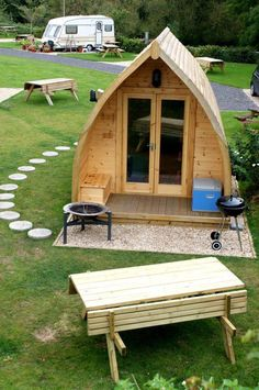The best of British rock – pitching up at Stonehenge - Glamping pod, Stonehenge Caravan Park Those are so pretty, something with wood Is attractive. Tiny Cabins, Tiny House Cabin, Stonehenge, Mini Chalet, Bungalow, Garden Pods, Camping Pod, Camping Glamping, Campsite
