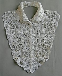 Vintage Plastron Collar lace Bruges cotton Closed by 3 small snaps Excellent condition Clean, no marks. White width across shoulders cm height cmAnnéeתתח s 1910 Col plasroses in needlework But impossible for me. Vintage Dresses, Vintage Outfits, Vintage Fashion, Vintage Clothing, Bruges Lace, Crochet Collar, Linens And Lace, Vintage Mode, Irish Lace
